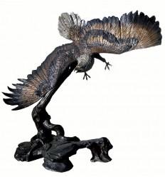 Bronze animalier : aigle en bronze BRZ0530 ( H .210 x L .210 Cm ) Poids : 300 Kg