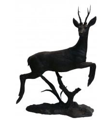 Cerf en bronze BRZ1712 ( H .118 x L 90 Cm ) 29 kg