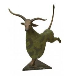 Bronze animalier : bouc en bronze BRZ1225 ( H .94 x L .89 Cm ) Poids : 17 Kg