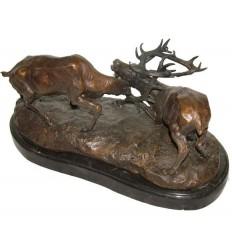Bronze animalier : cerf en bronze BRZ1067/SM199 ( H .20 x L .43 Cm ) Poids : 11 Kg