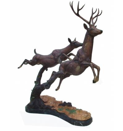 Bronze animalier : cerf en bronze BRZ1222  ( H .112 x L .135 Cm )  Poids : 32 Kg