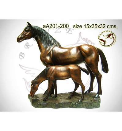 Bronze animalier : cheval en bronze aa201-200  ( H .32 x L .35 Cm )