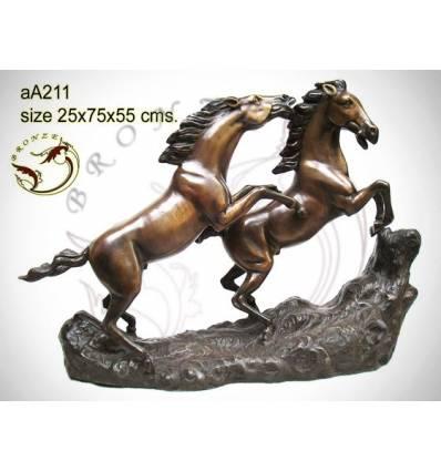 Bronze animalier : cheval en bronze aa211-100 ( H .55 x L .75 Cm )