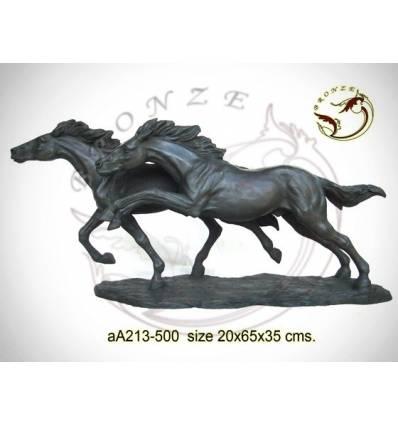 Bronze animalier : cheval en bronze aa213-500 ( H .35 x L .65 Cm )