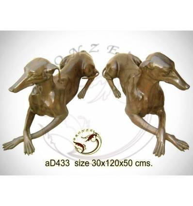 Bronze animalier : chien en bronze ad433-100 ( H .48 x L .115 Cm )