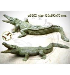 crocodile en bronze ab802-100  ( H .70 x L .290 Cm )