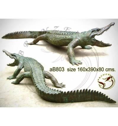 Bronze animalier : crocodile en bronze ab803-100 ( H .80 x L .390 Cm )