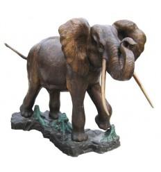 Bronze animalier :Eléphant en bronze BRZ276  ( H .145 x L .180 Cm )  Poids : 322 Kg
