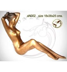 Femme AN002 ( H .25 x L .38 Cm )