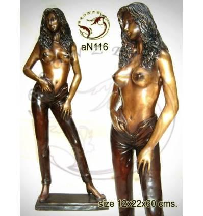 Femme AN116 ( H .60 x L .22 Cm )