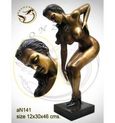 Femme AN141 ( H .46 x L .30 Cm )