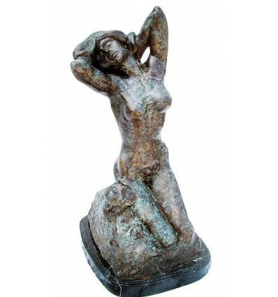 Femme BRZ1102  ( H .68 x L .33 Cm )