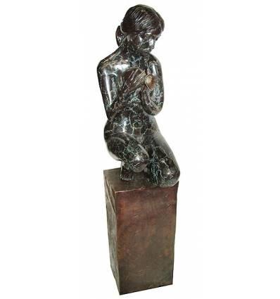 Femme BRZ1181  ( H .137 x L . Cm )  Poids : 44 Kg