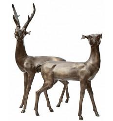 Cerf en bronze BRZ0107M ( H .137 x L .76 Cm ) Poids : 58 Kg