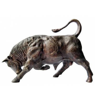 taureau en bronze BRZ0539  ( H .28 x L .40 Cm )  Poids : 4 Kg