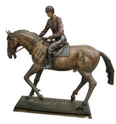 Sculpture de cavalier en bronze BRZ0062M-10  ( H .25 x L :25 Cm )  Poids : 4 Kg