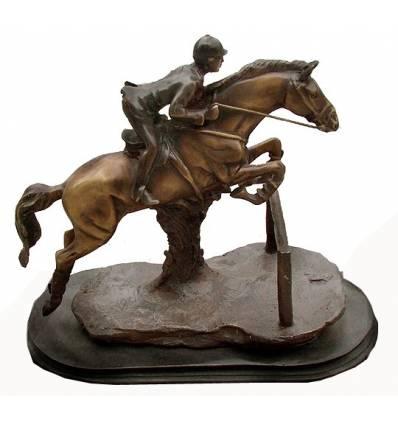 Sculpture de cavalier en bronze BRZ1083  ( H .38 x L :41 Cm )  Poids : 11 Kg