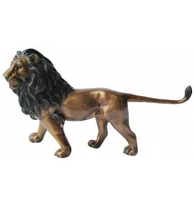lion en bronze BRZ0351  ( H .28 x L .51 Cm )  Poids : 4 Kg
