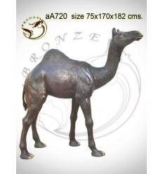 Chameau en bronze aa720-100 ( H .182 x L :170 Cm )