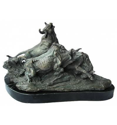 buffle en bronze BRZ1274v  ( H .30 x L .51 Cm )  Poids : 19,5 Kg