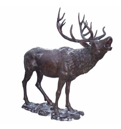 Cerf en bronze BRZ1402  ( H .201 x L .196 Cm )