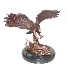 Aigle en bronze BRZ0899-SM ( H .17 x L .23 Cm ) Poids : 1.5 Kg