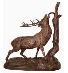 Sculpture d'un cerf en bronze Réf : BRZ0851