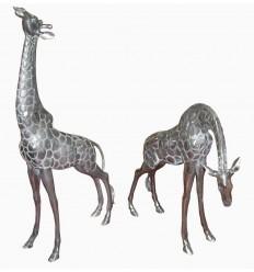 Sculpture d'un couple de girafes en aluminium Réf : ALU0068