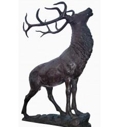 Cerf en bronze BRZ0499 ( H .220 x L .160 Cm ) Poids : 185 Kg